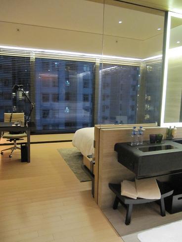 Day1:香港へ、Sky100_d0026830_18503930.jpg