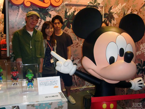 Disney x CLOT x MINDstyle = 3 Eyed Mickey_a0077842_22312744.jpg