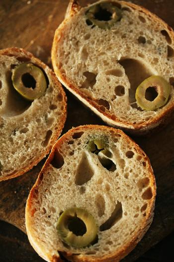 オリーブのパン_f0149855_6491897.jpg