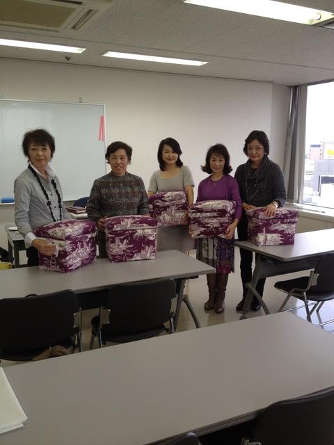 岩田屋コミュニティカレッジにて 茶箱パート2_e0112378_1637656.jpg