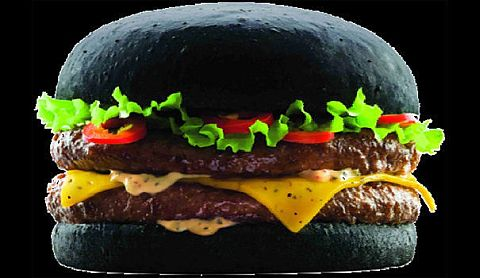 【黒いハンバーガー】Le Dark Vador Burger Quick(France)_a0014299_1771823.jpg