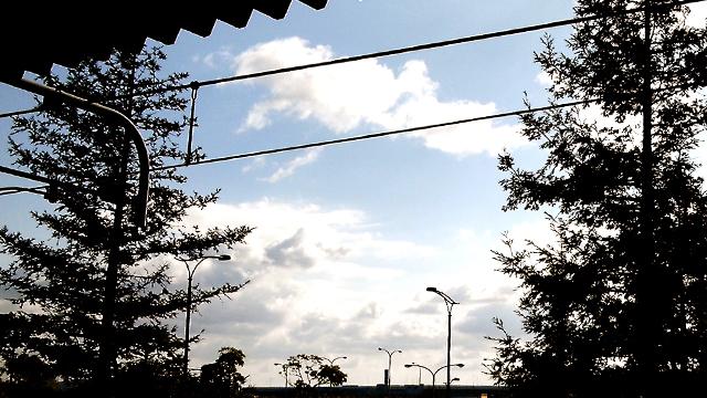 空と駅_f0235201_23394768.jpg