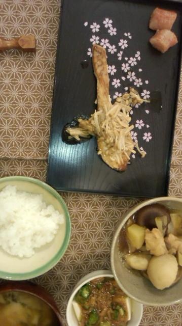 ごはん。和食シャケのキノコソース_e0114246_0594849.jpg