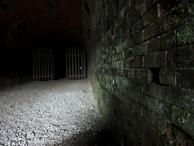 旧鐘ヶ坂隧道_f0116479_185433100.jpg