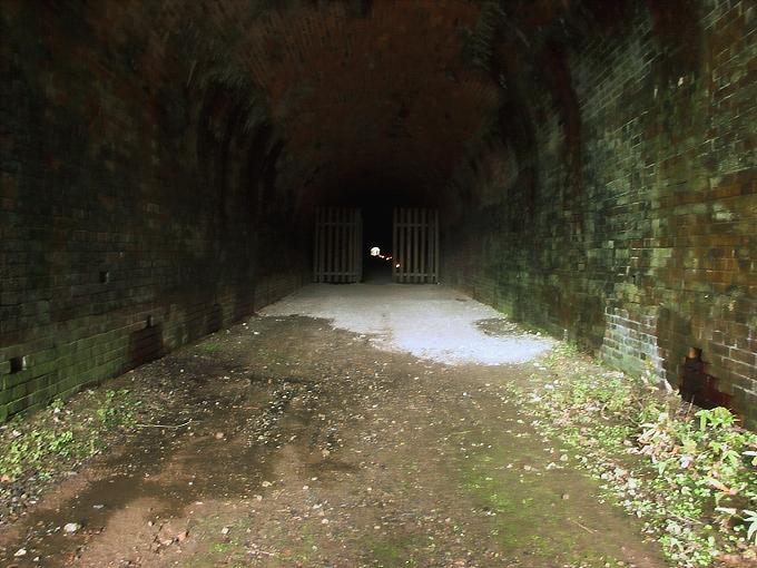 旧鐘ヶ坂隧道_f0116479_1854863.jpg