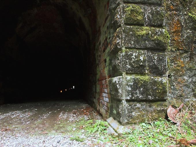 旧鐘ヶ坂隧道_f0116479_1993994.jpg