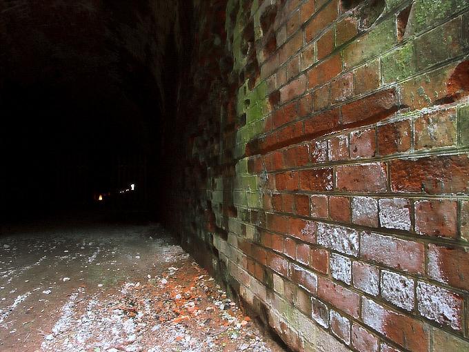 旧鐘ヶ坂隧道_f0116479_1995337.jpg