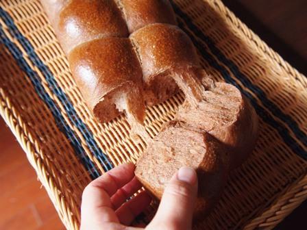 ココア生地のパン_e0167593_1103671.jpg