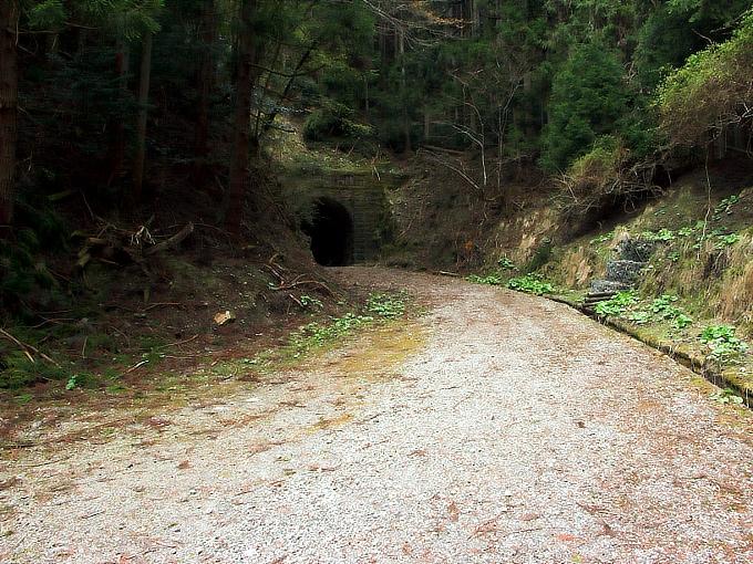 旧鐘ヶ坂隧道_f0116479_19136100.jpg