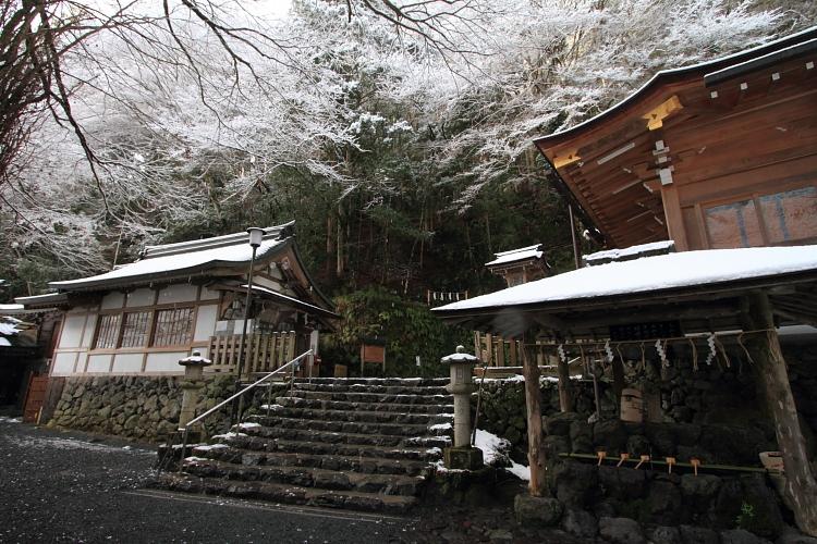 貴船神社_e0051888_2248559.jpg