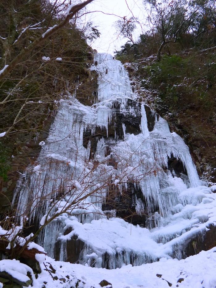 四王寺の滝と英彦山。_a0097006_1225787.jpg