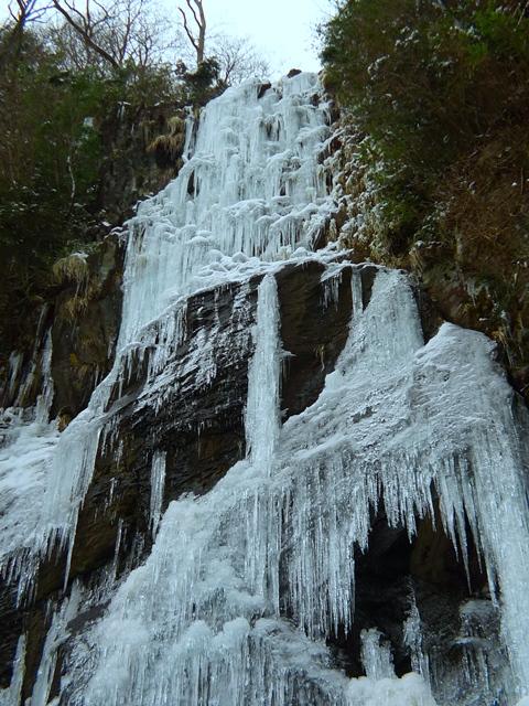 四王寺の滝と英彦山。_a0097006_1244694.jpg