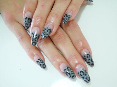 Gray Leopard Nail_a0239065_1462518.jpg
