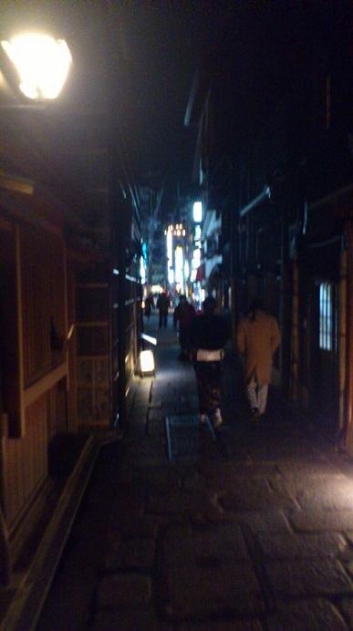 夜の祇園_d0230676_11244427.jpg