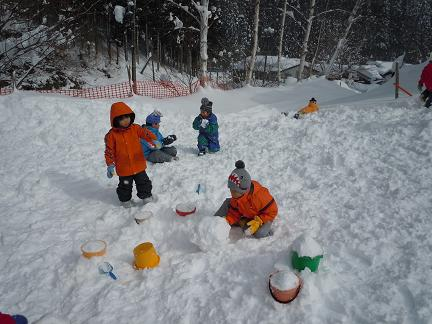 雪あそびに行ってきました。_c0197584_11343630.jpg