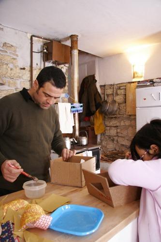 家の中では工作です_f0106597_2012262.jpg