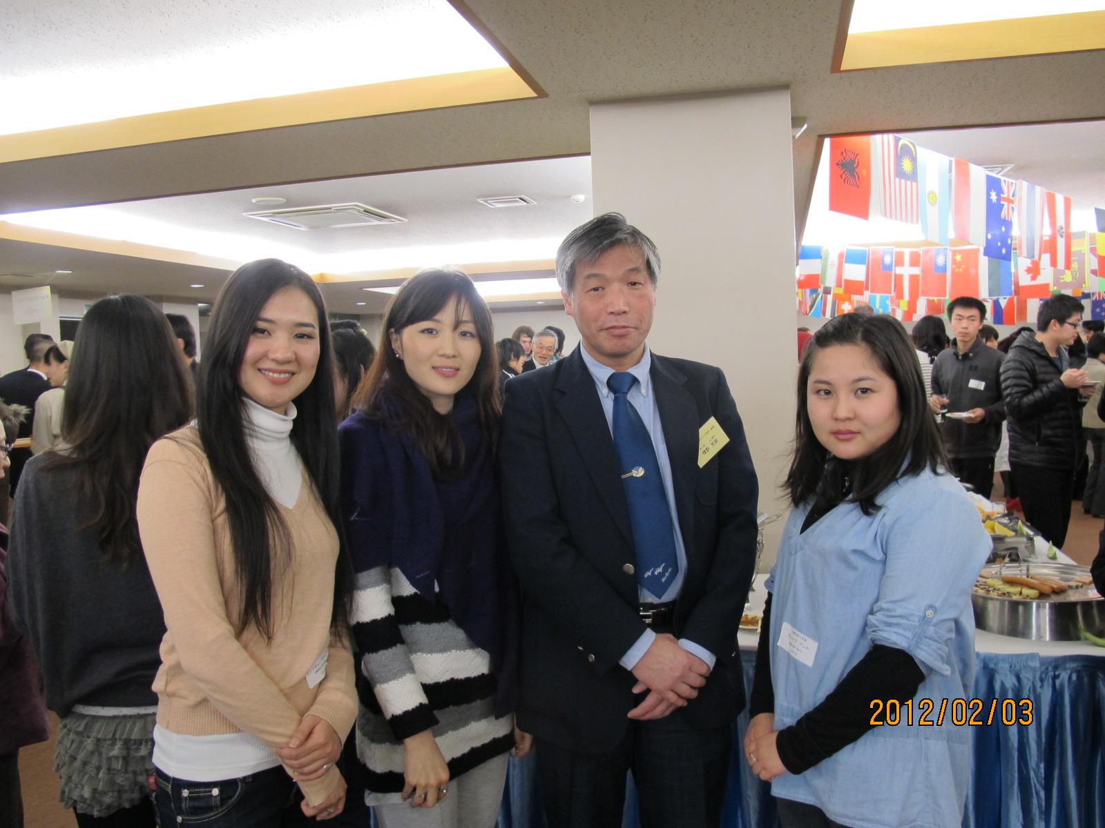 県民と外国人留学生との交流会・・・その2~_c0075701_21133360.jpg