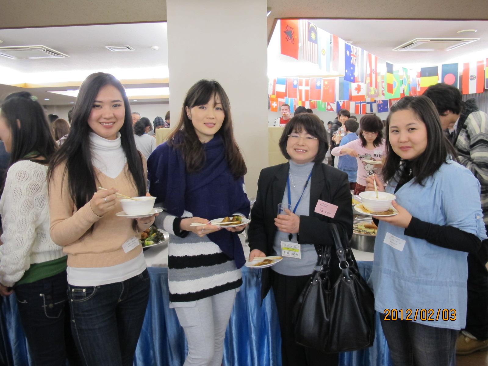 県民と外国人留学生との交流会・・・その2~_c0075701_2113958.jpg