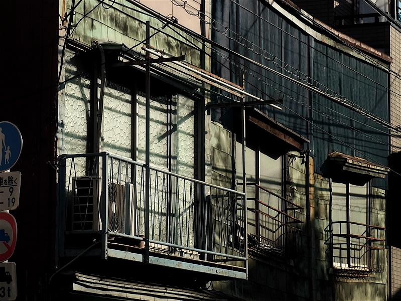 二階に西日_c0156717_1117155.jpg