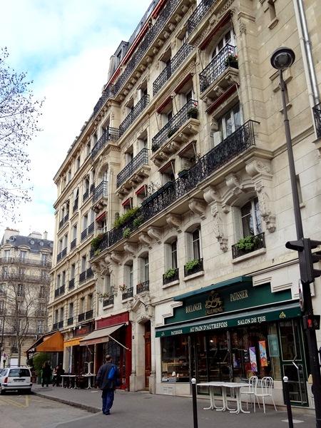 パリ3日目 カルトナージュの店、暮らし_b0165872_10131995.jpg