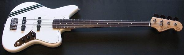 「WhiteのPsychomaster Bass 1本目」が完成〜しました!_e0053731_18333867.jpg