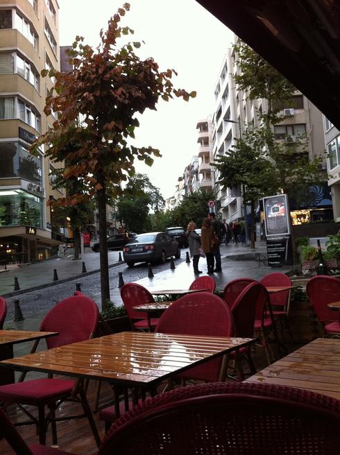 雨の Nisantasi_e0189465_2030417.jpg