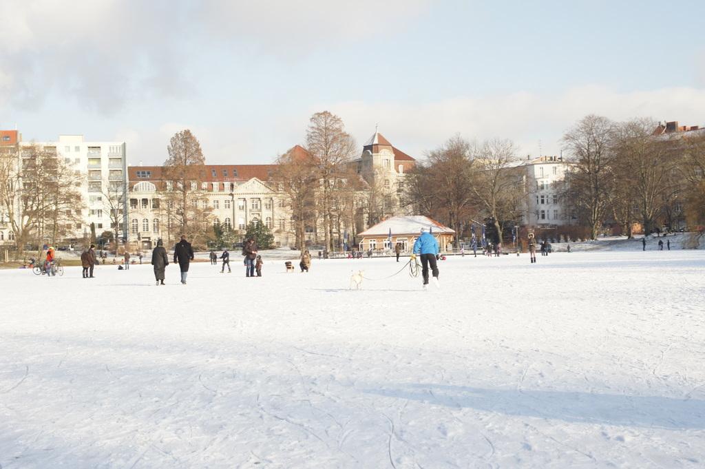 月曜日、最低気温21℃のベルリンです。_c0180686_1739752.jpg