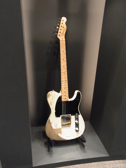 Fender Show case_a0145275_19425596.jpg