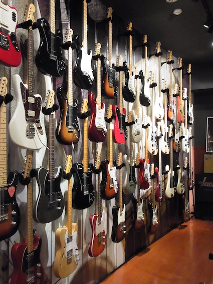 Fender Show case_a0145275_1943086.jpg
