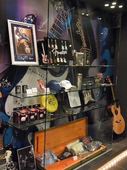 Fender Show case_a0145275_1943250.jpg