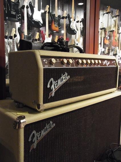Fender Show case_a0145275_1943815.jpg