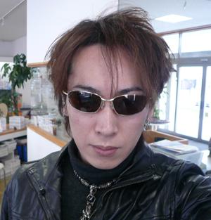 OAKLEY新作メタルサングラスBLENDER(ブレンダー)入荷!_c0003493_9453763.jpg