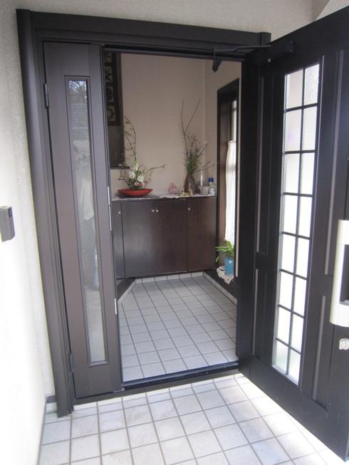 玄関廻りの改装_b0078597_2028333.jpg