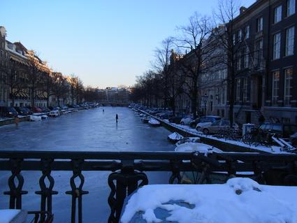雪の日の交通事情_c0202508_1410441.jpg