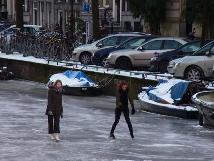 雪の日の交通事情_c0202508_141126100.jpg