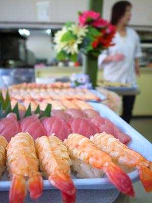 寿司&カラオケパーティー_a0154110_151129100.jpg