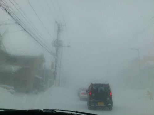 国道は、地吹雪_b0106766_2234446.jpg