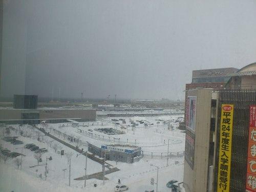 函館駅前の写真_b0106766_22384679.jpg