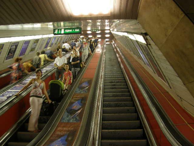 ブダペストの地下鉄_f0189467_23474985.jpg
