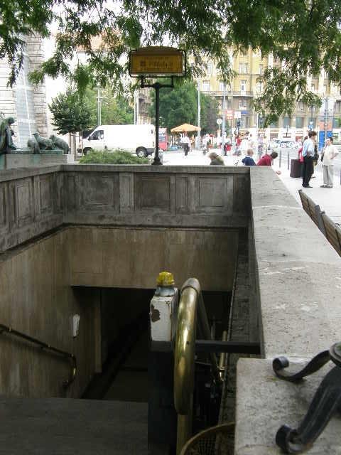 ブダペストの地下鉄_f0189467_23482824.jpg