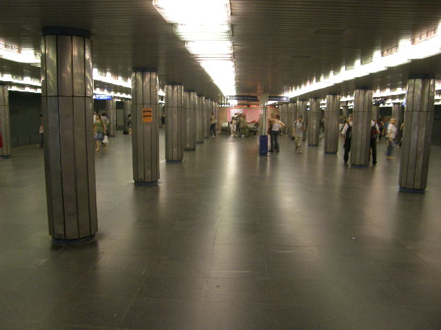 ブダペストの地下鉄_f0189467_23511796.jpg