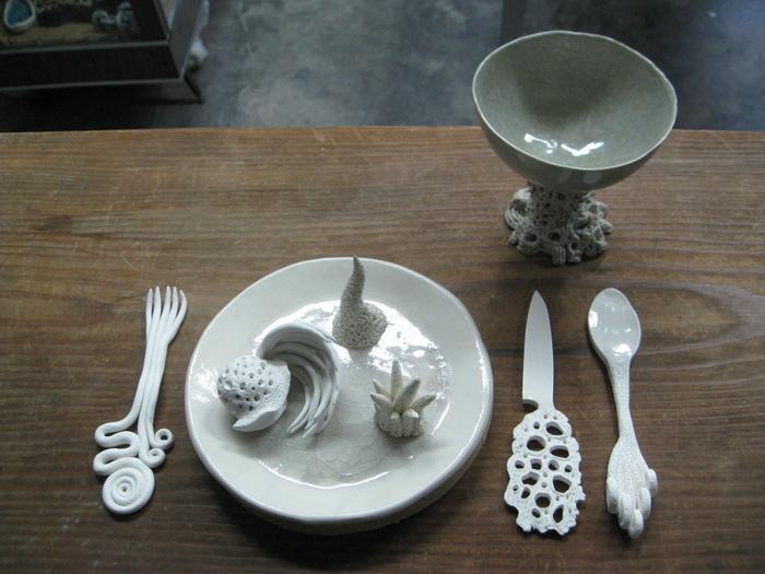 この食卓につく人は・・・いったい?_b0087077_23145091.jpg