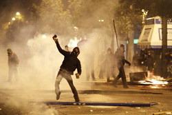 ギリシャの争乱:民衆vs帝国、民衆の逆襲!?_e0171614_1931977.jpg