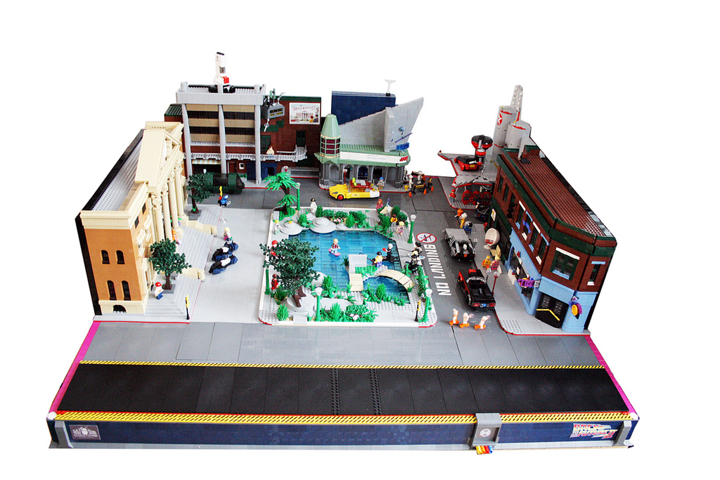 Back to the Future II in LEGO_a0118453_18304979.jpg