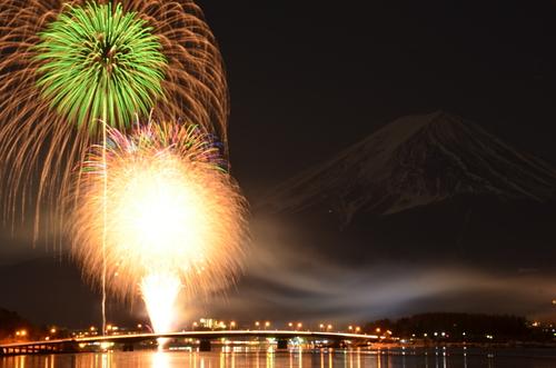 富士山の冬の花火_a0139995_0204348.jpg