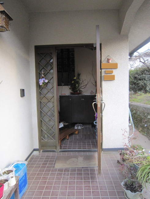 玄関廻りの改装_b0078597_9143827.jpg
