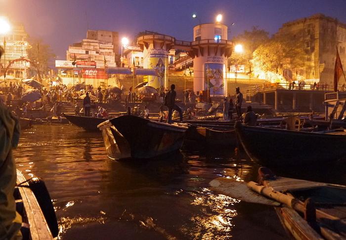 インド旅行記 6 夜明けのガンジス河 その1_a0092659_21574933.jpg