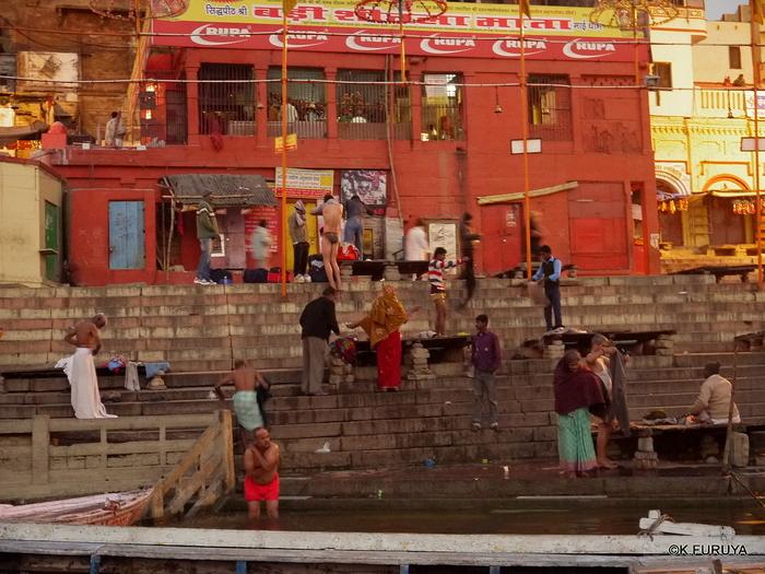 インド旅行記 6 夜明けのガンジス河 その1_a0092659_22222226.jpg