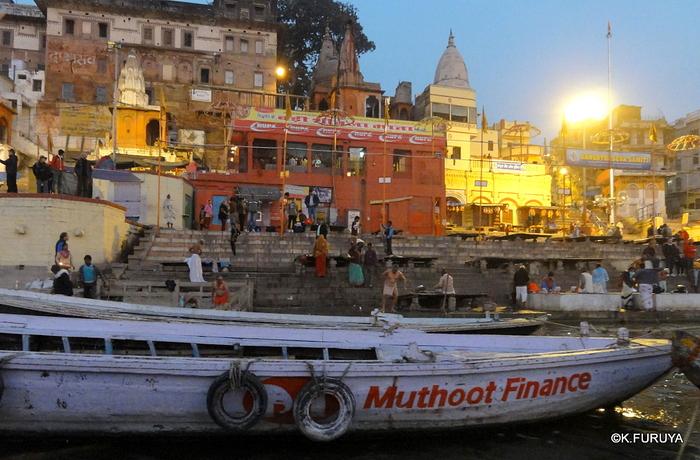 インド旅行記 6 夜明けのガンジス河 その1_a0092659_2233740.jpg