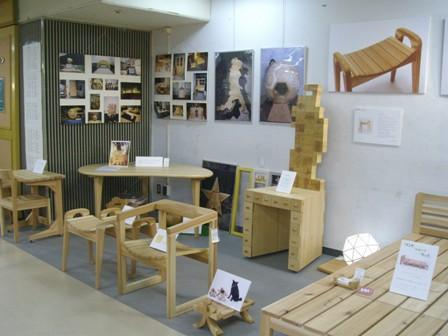 高田松原の松でつくった東北の椅子 展示_f0206159_20281118.jpg